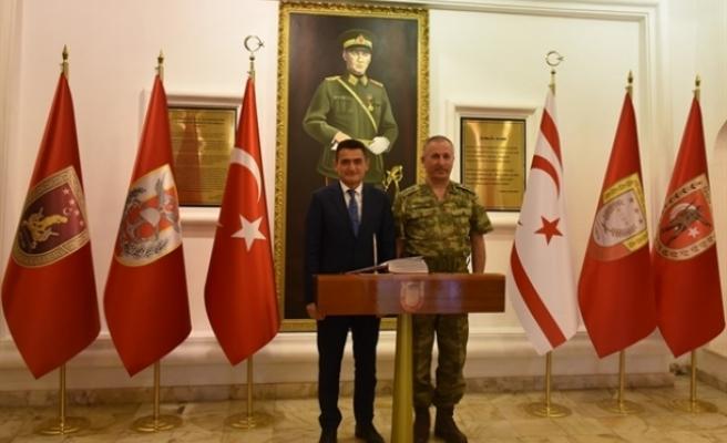 Bakan Oğuz'dan Tümgeneral Sezai Öztürk'e ziyaret