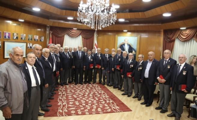 Başbakan'dan gazilere madalya