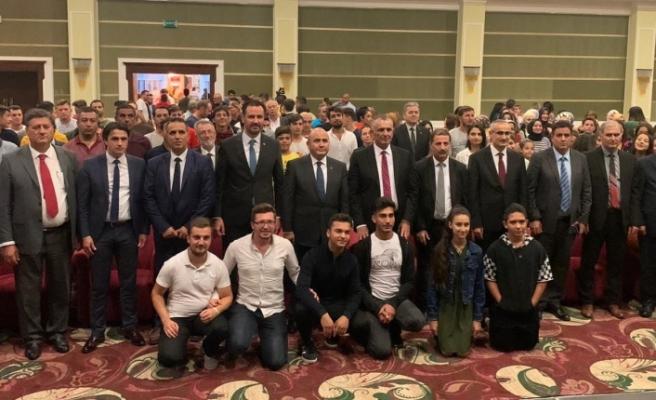 """Çavuşoğlu: """"Geleceğe doğru yolculuğumuz tamamen iki kardeşin buluşması içindir"""""""