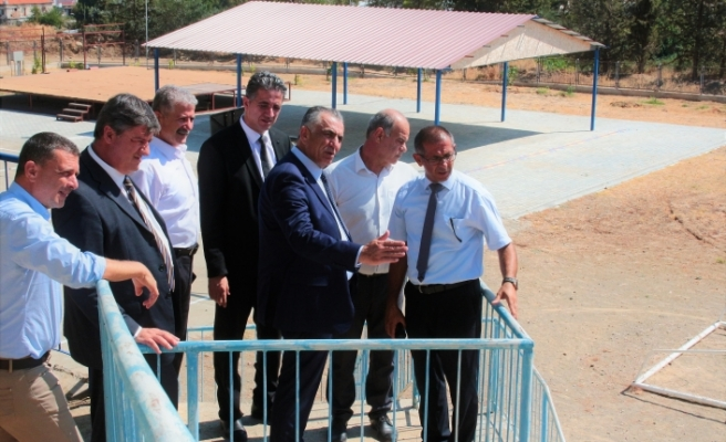 Çavuşoğlu'ndan Erdal Abit İlkokulu ile Yedidalga İlkokulu'na ziyaret