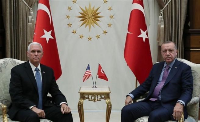 Erdoğan ABD Başkan Yardımcısı Pence'i kabul etti