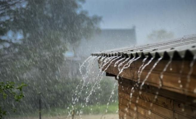 Gemikonağı ile Bostancı'nda metrekarede 5 kilogram yağış kaydedildi
