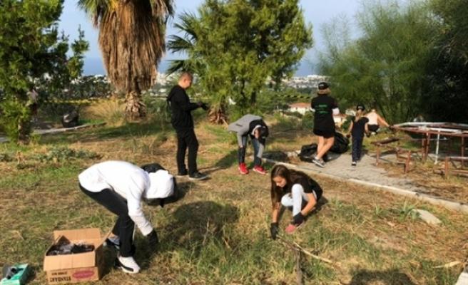 İyilik Gönüllülerinden çevre temizliği