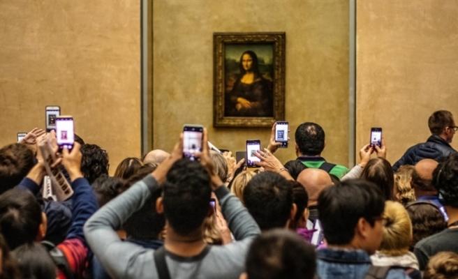 Paris'te da Vinci çılgınlığı: Serginin ilk gününde 260 bin bilet satıldı