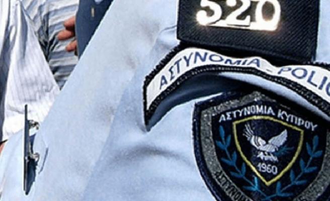 Suçlulara bilgi sızdıran polis tutuklandı
