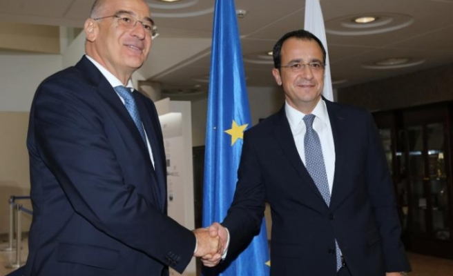 Yunanistan Dışişleri Bakanı Güney Kıbrıs'ta