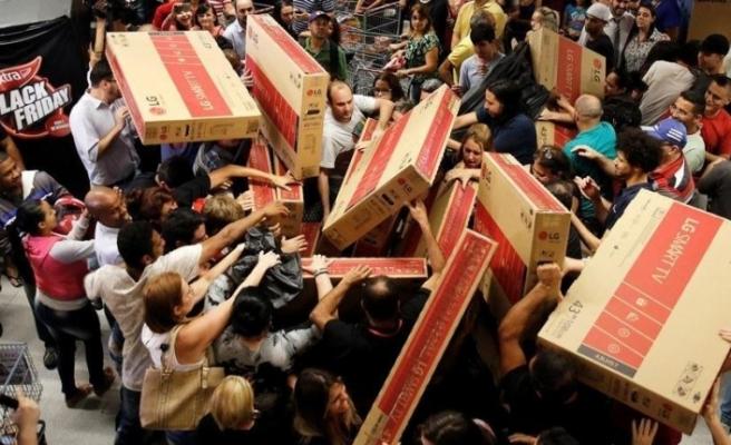 ABD'de Black Friday çılgınlığı