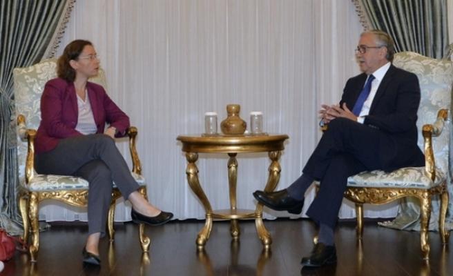 Akıncı, Fransa'nın yeni Lefkoşa Büyükelçisini kabul etti