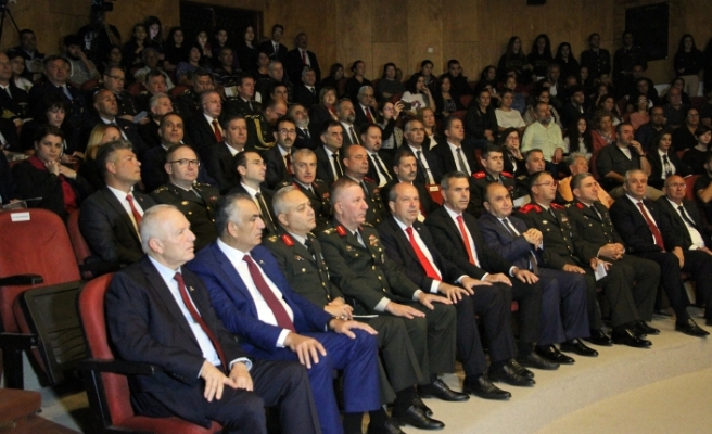 Atatürk Kültür Merkezi'nde 10 Kasım töreni