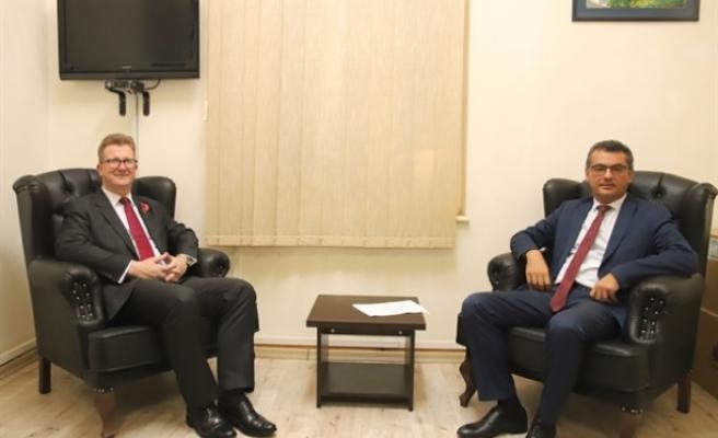 Erhürman, İngiliz Yüksek Komiseri Stephen Lillie'yi kabul etti