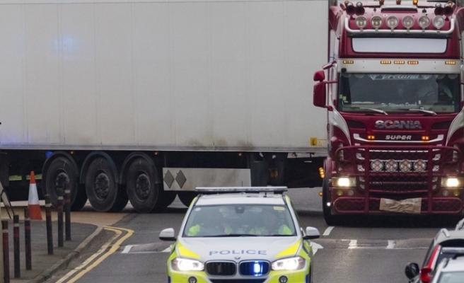İngiltere'de TIR arkasında 39 ceset olayı: 22 yaşındaki  Harrison tutuklandı