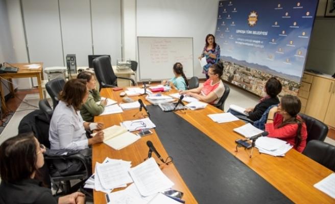 Kadınlara yönelik İngilizce kursları 3 ayrı bölgede devam ediyor
