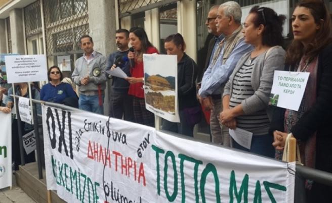 Kıbrıslı Türk ve Kıbrıslı Rum örgütler madencilikte siyanür kullanılmasına karşı eylem düzenledi