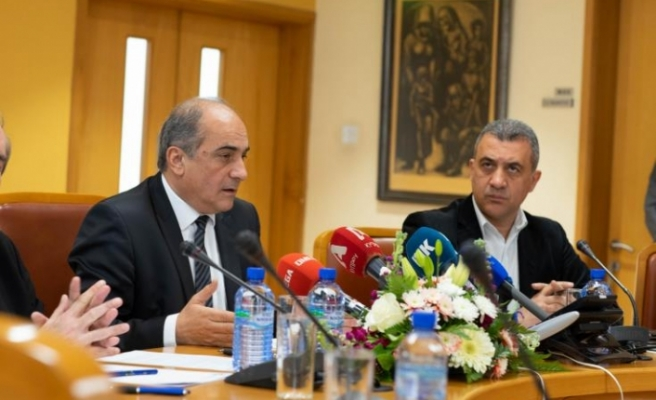 Rum Meclis Başkanından Türkiye'ye karşı daha sert politika talebi