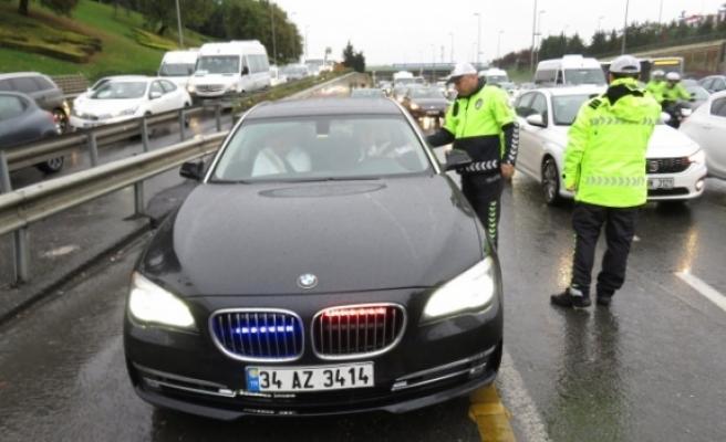 Türkiye'de çakarlı araç yasağı bugün başladı
