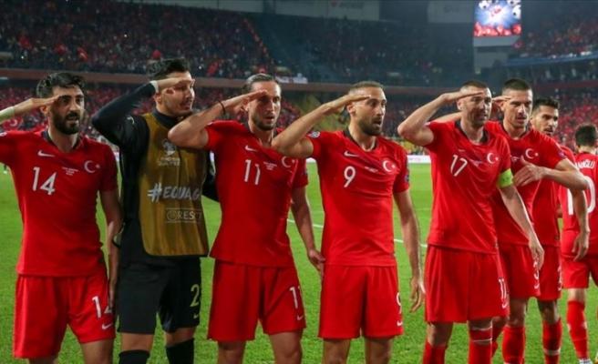 Türkiye Süper Lig'deki 18 kulüpten UEFA'ya 'asker selamı' tepkisi