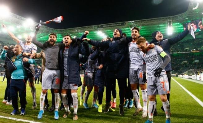 Başakşehir UEFA Avrupa Ligi'nde grubunda lider olarak tur atladı