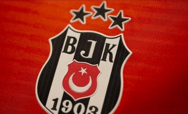 Beşiktaş 4 futbolcusunun takımdan ayrılacağı iddialarını yalanladı