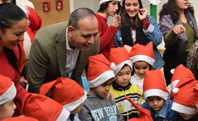 EL Ele Kreşi'ne giden çocuklara yönelik yeni yıl etkinliği