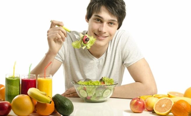 Erkekler duygusal olmadıkları için diyette daha istikrarlı