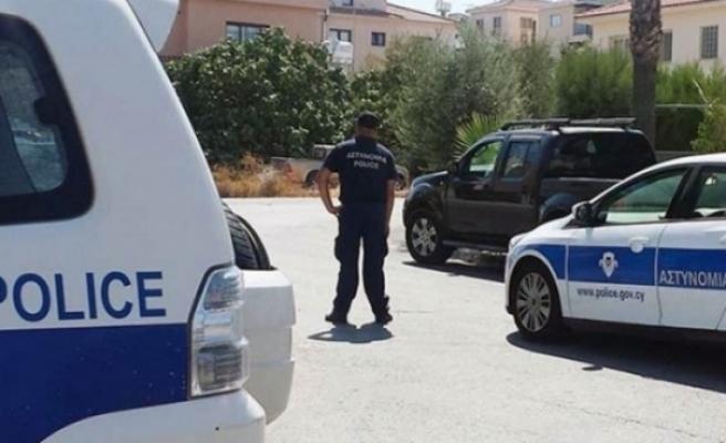 Gündeyde olaylı kovalamada iki polis yaralandı
