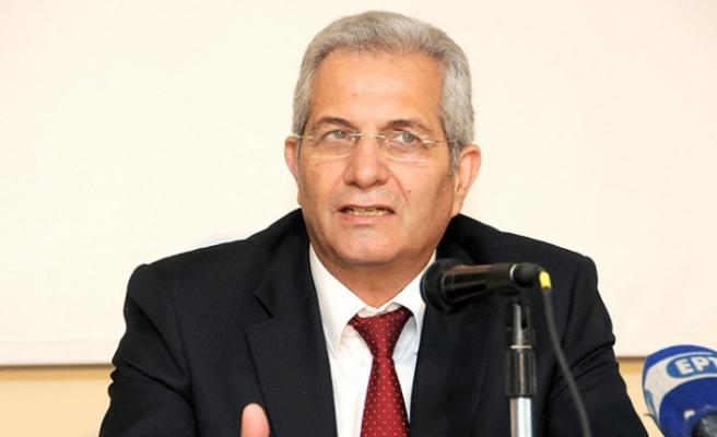 Kiprianu Akel genel sekreterliğinden ayrılma kararını acele olarak nitelendirdi