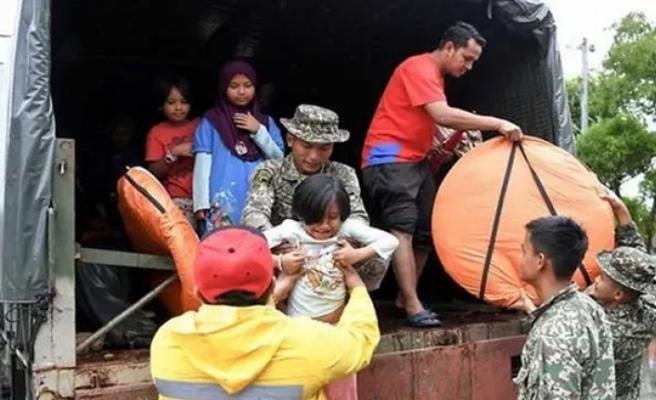Malezya'da sel baskınları 11 binden fazla kişiyi yerinden etti