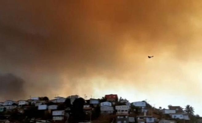 Şili'de orman yangınlarında 120 ev yandı