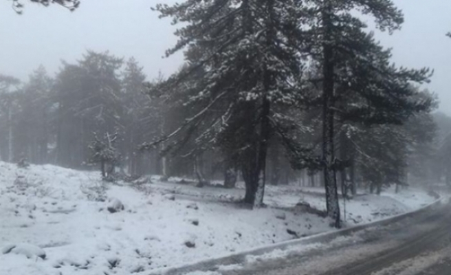 Trodos'ta yoğun kar