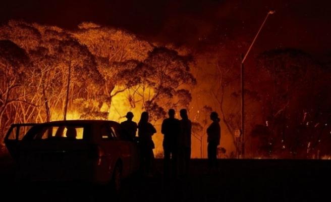 Avustralya yangınları: Sert rüzgar ve aşırı sıcaklar nedeniyle 'zor