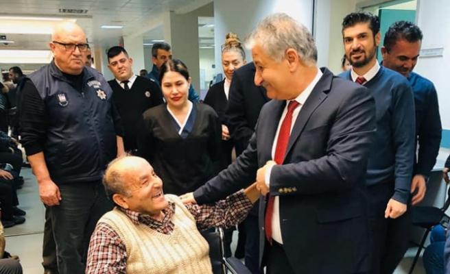 Bakan Pilli, Gazimağusa Devlet Hastanesi'ni ziyaret etti