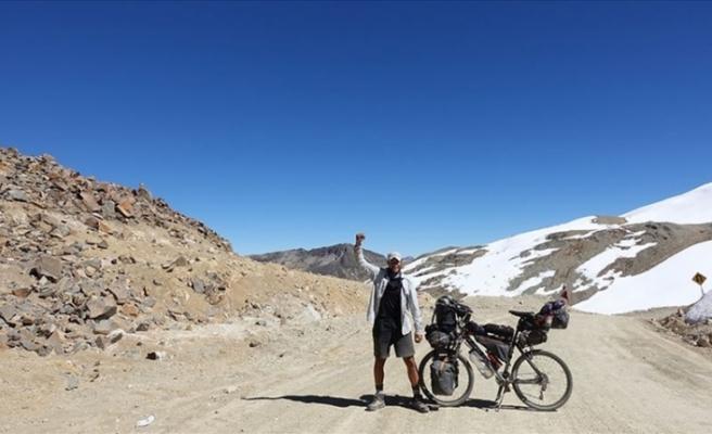 Bisikletle 8 yıldır dünyayı turlayan Türk, Guinness'i hedefliyor