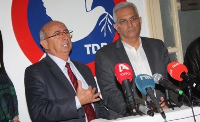 Kiprianu ve beraberindeki heyet, Toplumcu Demokrasi Partisi'ni (TDP) ziyaret etti