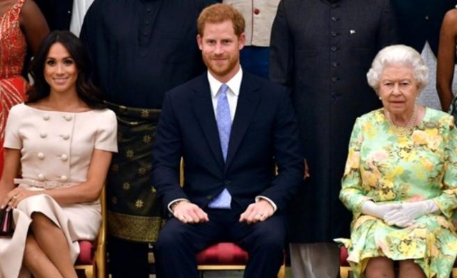 Kraliçe 2. Elizabeth'ten Prens Harry ile Meghan'ın Kraliyet ailesinden ayrılma kararına destek geldi