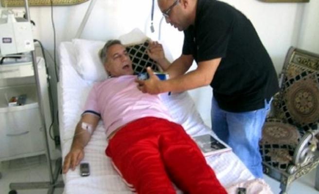 Mehmet Ali Erbil'den kötü haber... Fenalaşarak yoğun bakıma kaldırıldı