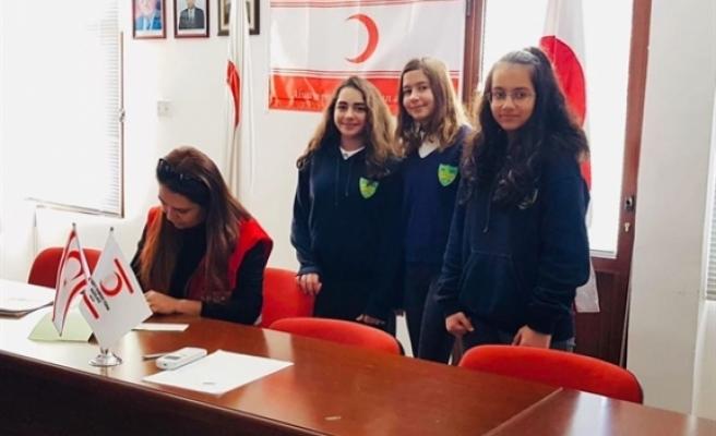 Şht. Hüseyin Ruso Ortaokulu Öğrencileri depremzedeler için bağış yaptı