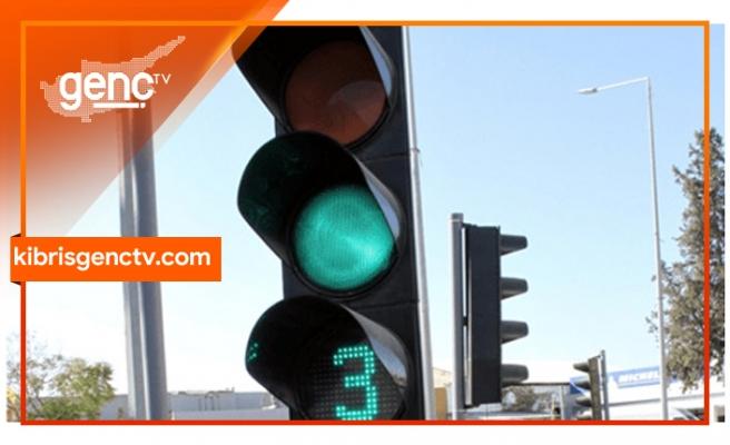 Sürücülerin dikkatine.. Trafik ışıkları devre dışı kaldı