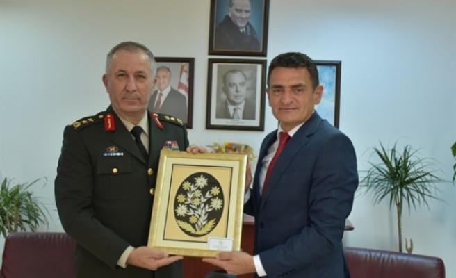 Tümgeneral Öztürk'ten Bakan Oğuz'a ziyaret