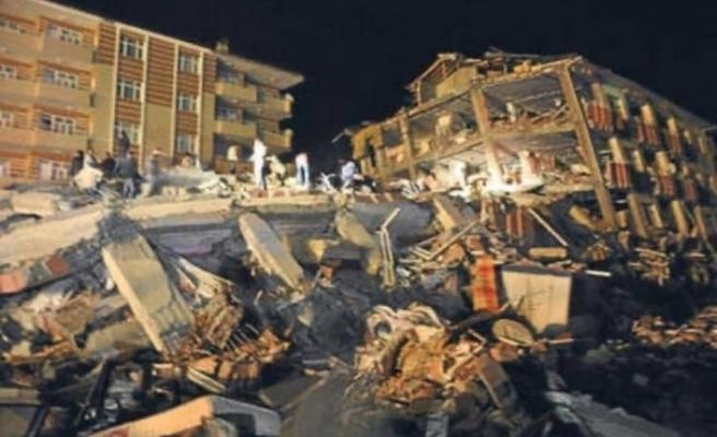 Türkiye'deki deprem bölgelerinden fotoğraflar