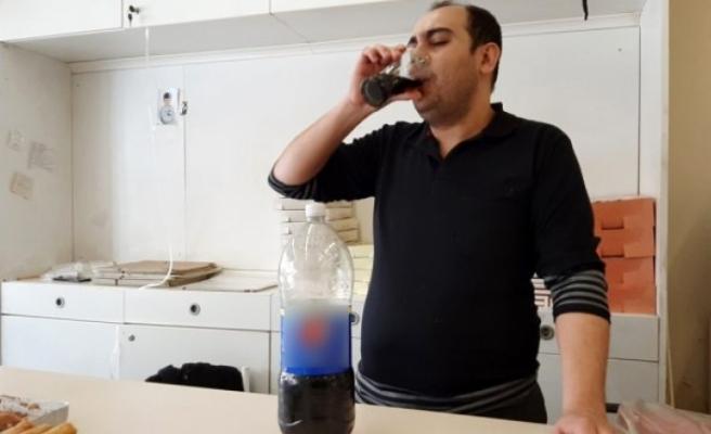 25 yıldır kola bağımlısı olan adam günde 5 litre kola içiyor