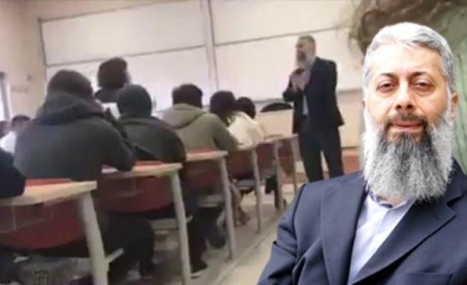Çocuk yaşta evliliği savunan tweetiyle tepki çeken profesör, derste protesto edildi
