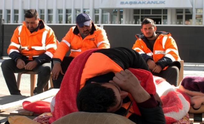 Eski CAS çalışanları açlık grevi başlattı