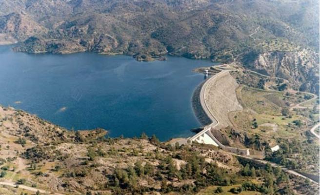 Güneyde Kalavasos Barajı kapatıldı