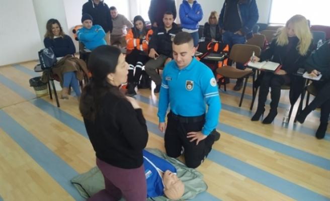İlk yardım eğitimi verildi