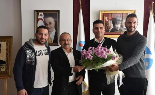 Karşıyaka Spor Kulübü'nden Ataser'e geçmiş olsun ziyareti