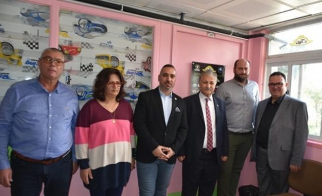 Kuzey Kıbrıs Klasik Otomobil Derneği'nden sağlığa katkı