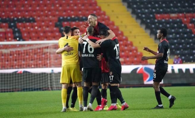 Lider Sivasspor'a büyük şok