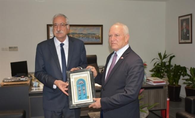 Töre'den Girne Belediyesi'ne ziyaret