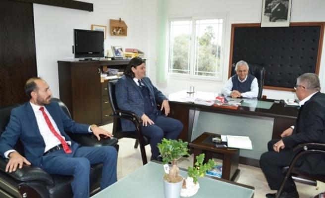 Yeniden Doğuş Partisi'nden  bir heyet, Kıbrıs Türk Fırıncılar Birliği'ne ziyaret gerçekleştirdi