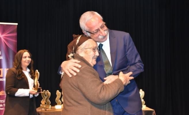 """22 emekçi kadına """"Girne Belediyesi Kentin Güçlü Kadınları Ödülü"""""""